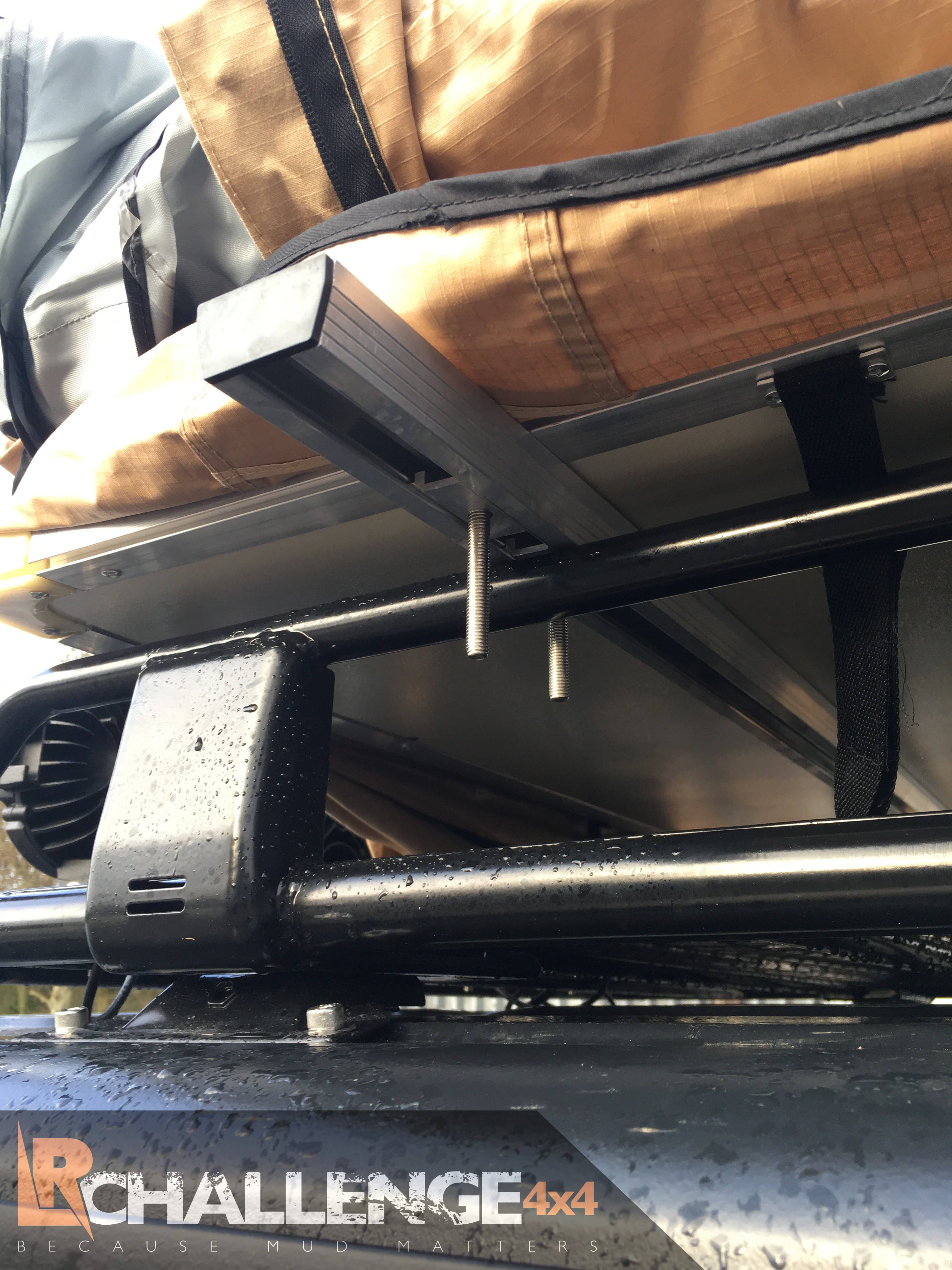 3 Man Roof Tent With Awning, 75mm Mattress and Ladder, Incldes Mountig bars fit any Car van 4x4