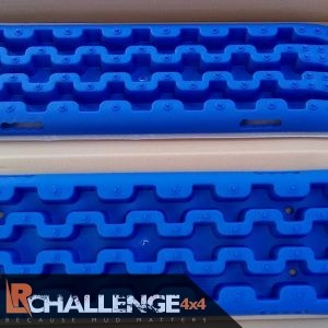Recovery Off road Boards a must have an any 4×4 offroader blue pair